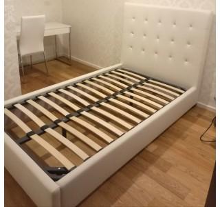 转让全新未使用的床